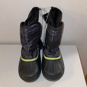 The Children's Place winter boots size 13